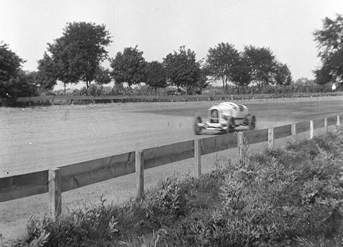 Ralph DePalma at the Indy Mile in 1917 (Gary Banas/Hemmings photo)Ralph DePalma at the Indy Mile in 1917 (Gary Banas/Hemmings photo)