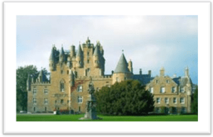 Glamis Castle:http://de.academic.ru/dic.nsf/dewiki/526083