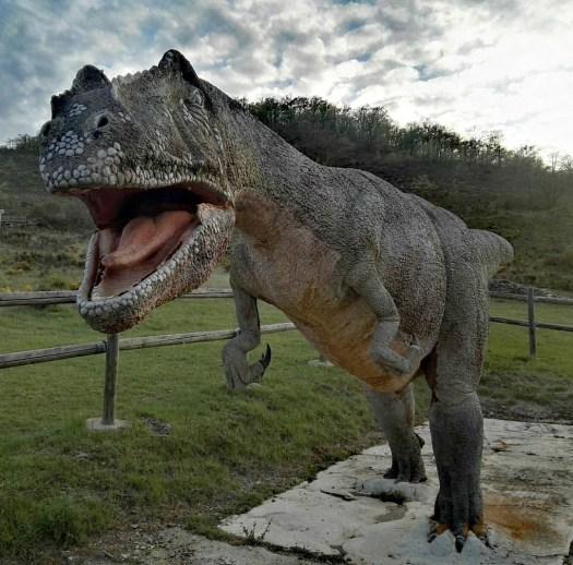 Tiranosaurus Rex en Bretún