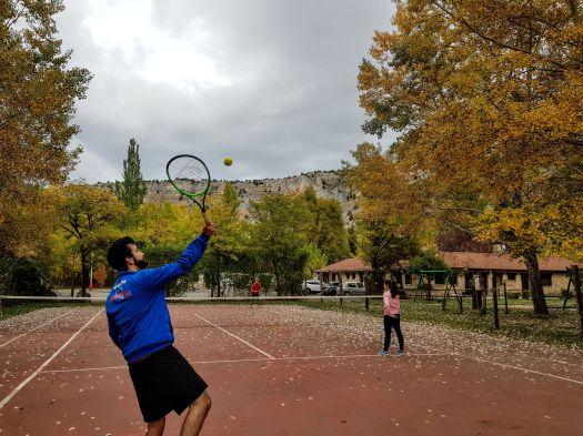 Cancha de tenis del Camping Rio Lobos