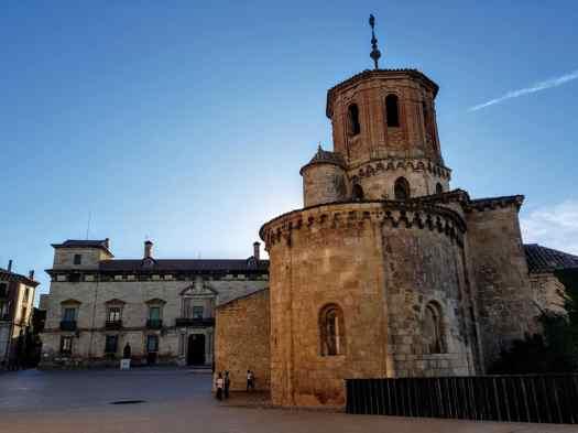 Palacio de los Hurtado e iglesia de San Miguel