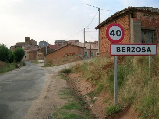 Entrada al pueblo de Berzosa