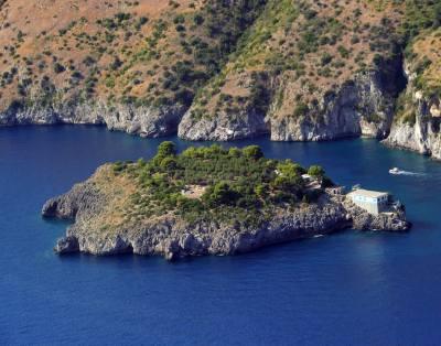 Amalfi Coast by boat from Sorrento Host 8