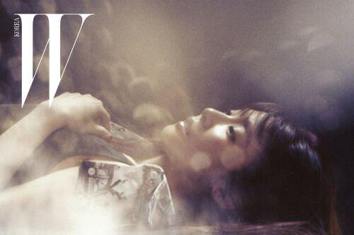 'W Korea' merilis Video Menampilkan Taeyeon, Yuri, dan ...