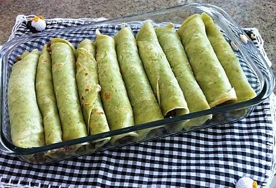 Essas Panquecas verdes são feitas com talos de legumes.