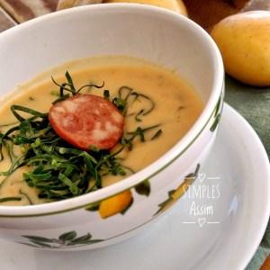 Essa sopa cremosa de batatas é deliciosa.