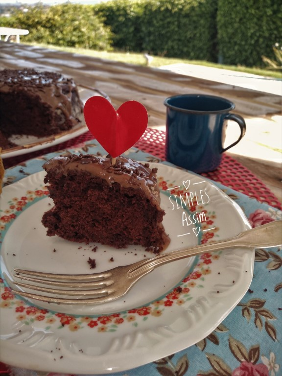 Esse bolo de chocolate lowcarb é fácil de fazer e muito gostoso.