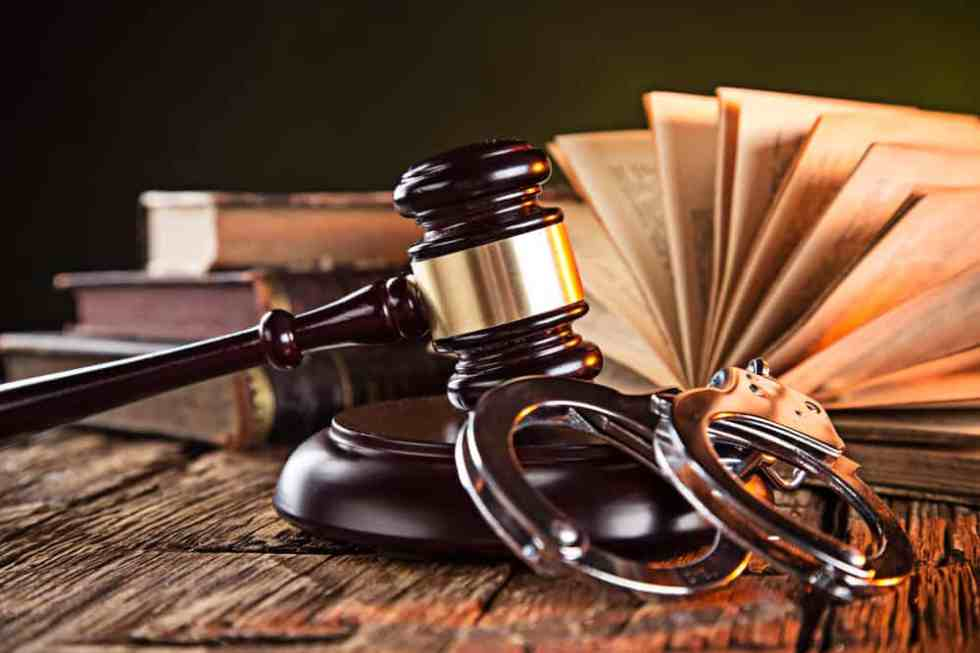 Cassazione penale, Sez. Unite, Sentenza, 21/12/2017, n. 8770 (rv. 272174) –  SOS MEDICI