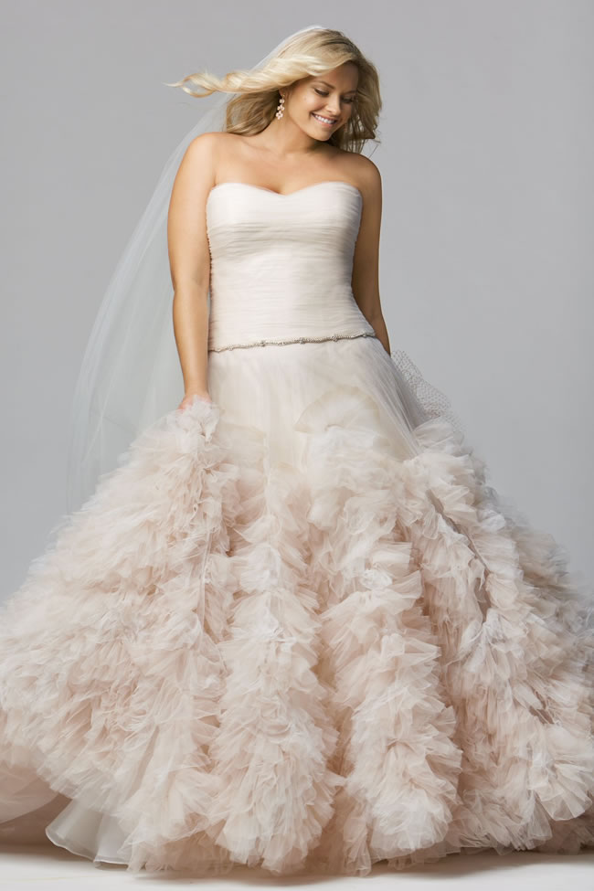 plus-size-wedding-dresses-so-much-more-choice-for-brides-wtoo-curve-allegra-2014