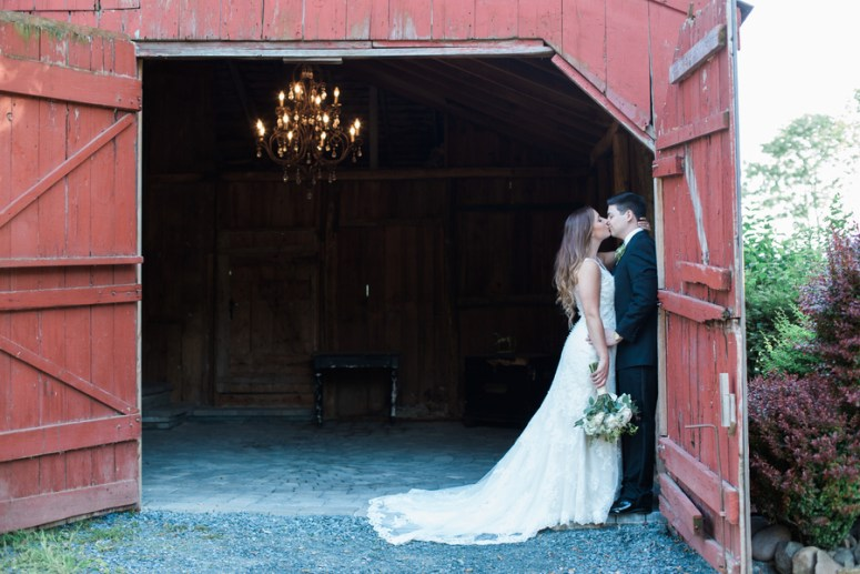summer wedding at Faulkirk Estate in Hudson Valley, New York