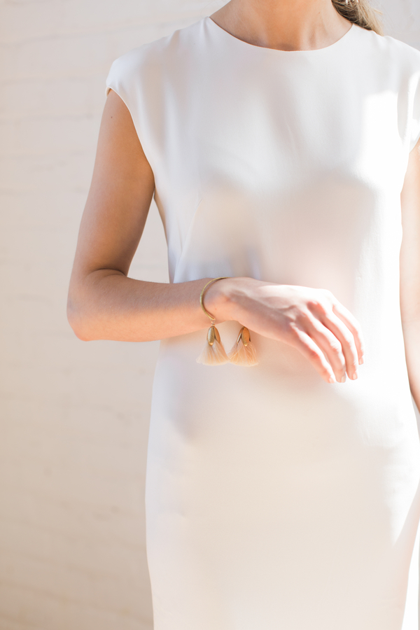 minimalist wedding day attire