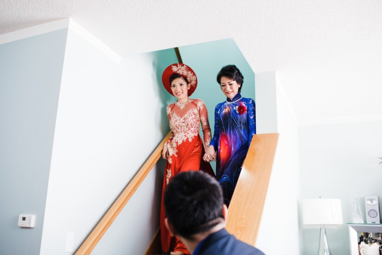 Traditional vietnamese red wedding gown