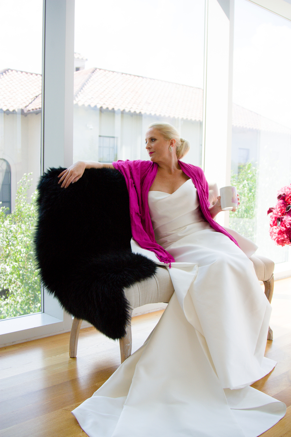 ohio wedding ideas, bride drinking coffee, bride wearing pink shawl