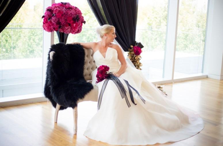 hot pink wedding, wedding at Columbus Museum of Art, black and pink wedding, ohio wedding ideas