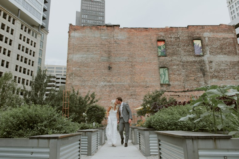 rooftop wedding, city wedding, Detroit wedding, modern wedding, chic wedding