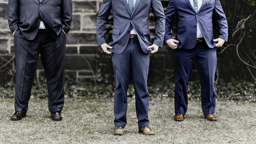 Groomsmen photo poses ideas