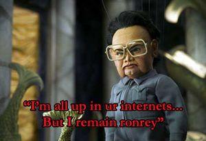"""© Unknown -- Kim Dzong Il jako kukiełkowy złoczyńca w filmie """"Team America: World Police"""""""