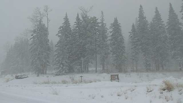 Record Setting Snow Falls In Flagstaff Arizona Earth