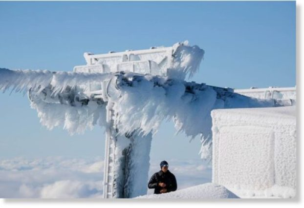 FOUR metres of snow dumped on Mount Hutt Ski Area in New Zealand over 2  days -- Earth Changes -- Sott.net