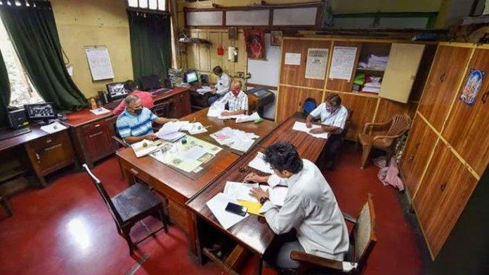 ভারতে অফিস টাইম হবে ১২ ঘণ্টা, বাড়বে বেতনও