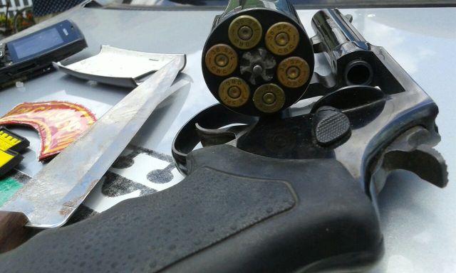 revolver-assalto