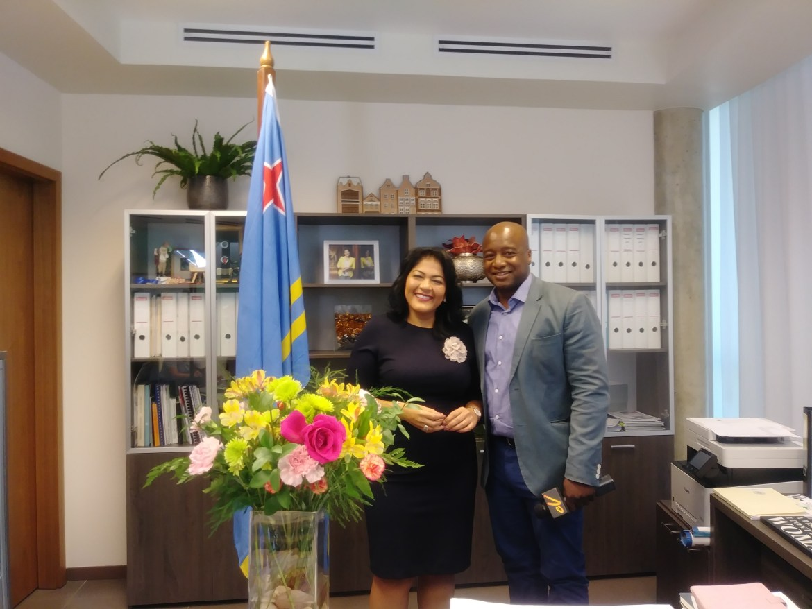 The Honourable Mrs. Xiomara J. Ruíz-Maduro (Aruba) and Alain from Caribbean Vibrations
