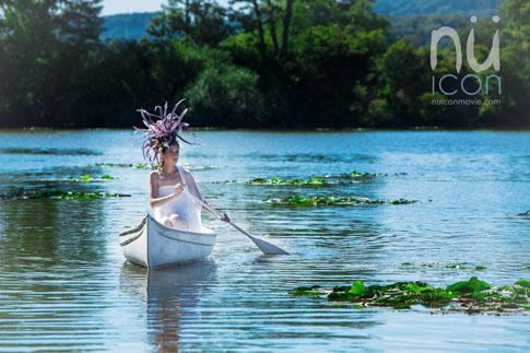 nü Icon Movie white canoe