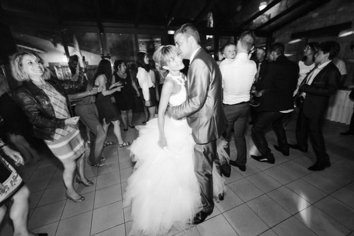 mariage-moulin-de-letang-l-etang-linas-essonne-91-soiree-fete-ambiance-DJ-photographe-soulbliss