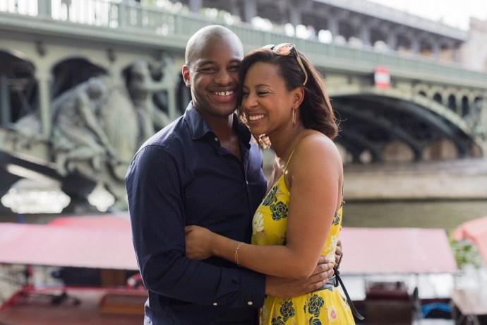 432-seance-engagement-paris-tour-eiffel-photographe-mariage-soul-bliss