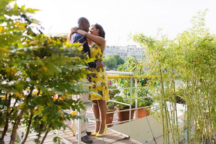 433-seance-engagement-paris-tour-eiffel-photographe-mariage-soul-bliss
