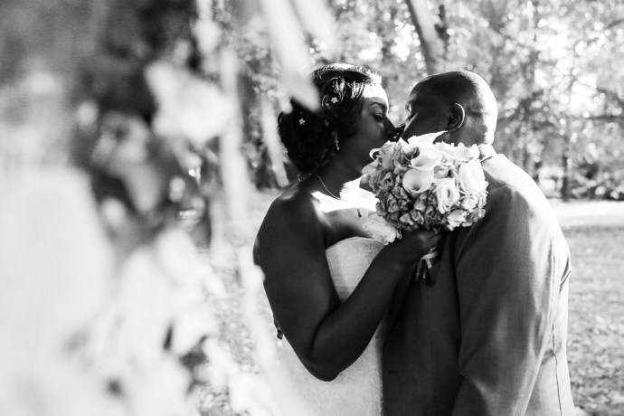 mariage-moulin-des-noues-soicy-sur-ecole-photos-de-couple-jardins-photographe-soul-bliss