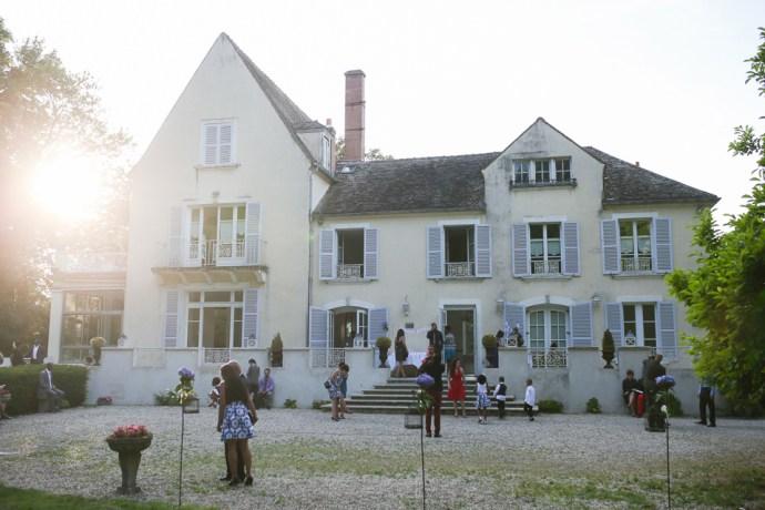 mariage-moulin-des-noues-soicy-sur-ecole-essonne-exterieur-facade-photographe-soul-bliss