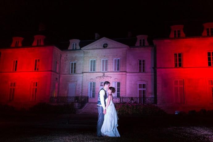 mariage-domaine-de-champgueffier-photos-de-couple-nuit-Eclairage-jardins-extérieurs-photographe-soul-bliss