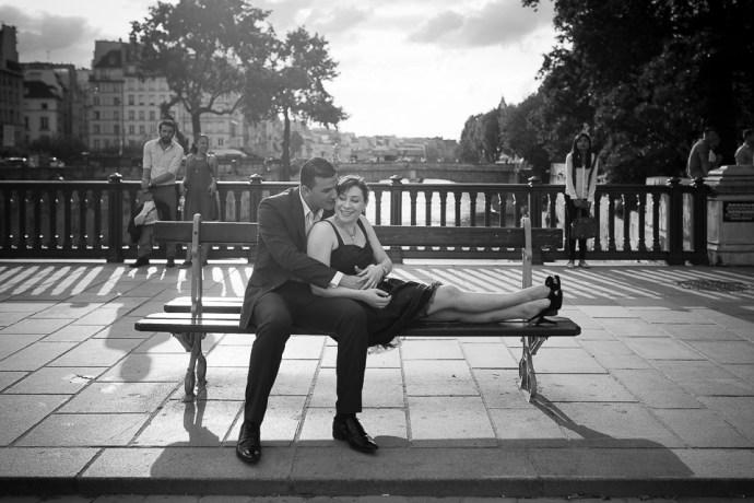 seance photo couple notre dame de paris photographe mariage soul
