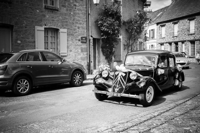 mariage moulin de dampierre saint yon voiture collection citroen traction mariage noire photographe mariage paris essonne soulbliss