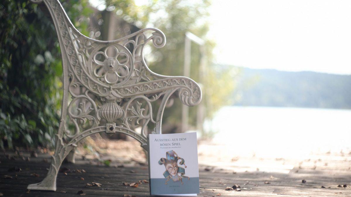 Neuveröffentlichung - Ausstieg aus dem bösen Spiel - Tina Wiegand - Soulfit Verlag - Foto Carlos Vicente de la Plaza
