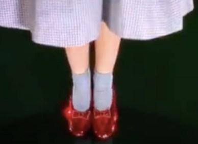 red slippers - social media - Tina Wiegand - Soulfit.de