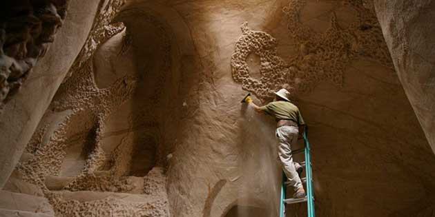 Building the Underworld – the Incredible Caves of Ra Paulette