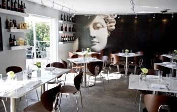 Joeys-Italian-Cafe-interior-with-mural-photo-credit-Simon-Hare