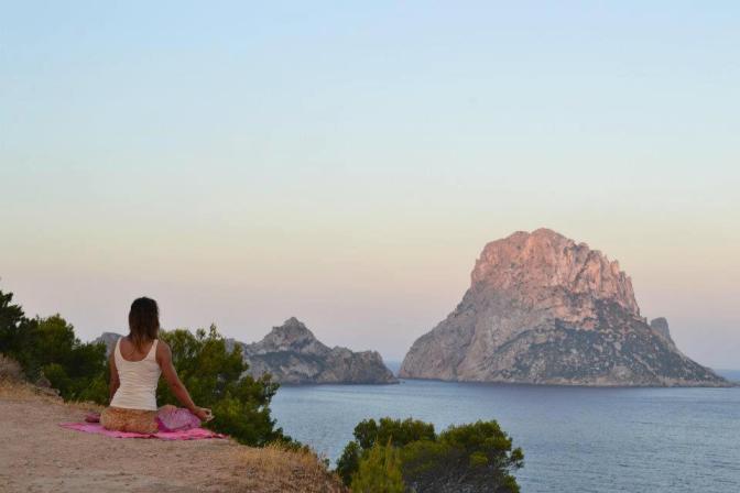Kirsty Gallagher Yoga retreat Ibiza