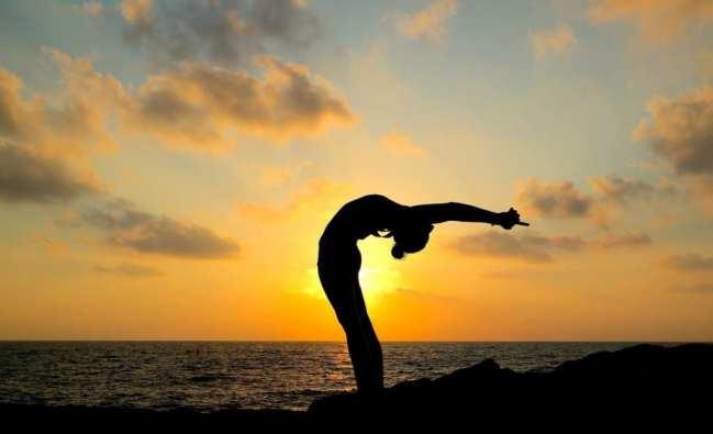 beach yoga in south Italy