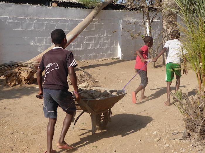 Costruire la scuola, Mondobimbi