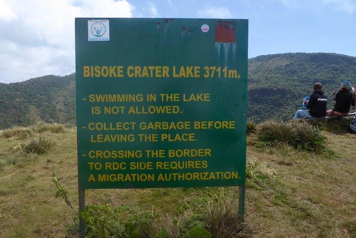 cartello sulla cima del Monte Bisoke