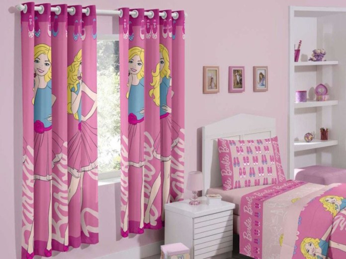 quarto-barbie-cortina