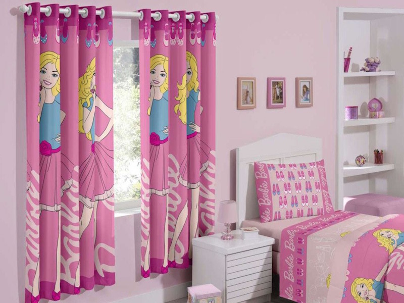 quarto-barbie-cortina