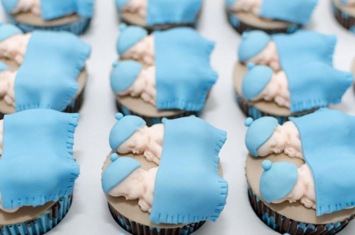 chá-de-bebê-de-gêmeos-cupcakes