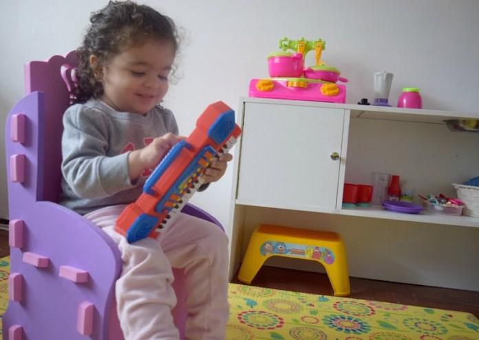 poltrona-princesa-brincando