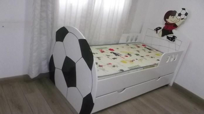 cama-infantil-bola-de-futebol-quarto-infantil-diferente-14761-MLB4137429789_042013-F