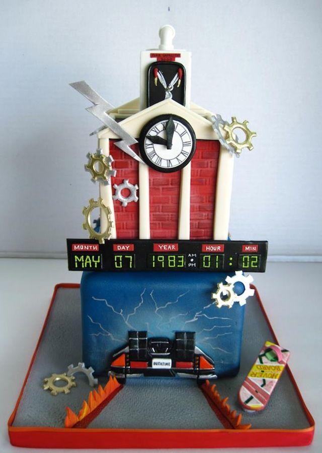 festa infantil de volta para o futuro bolo relógio