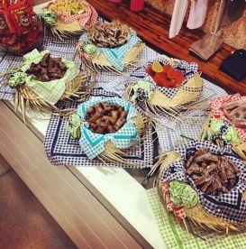 festa infantil mesa de doces improvisada
